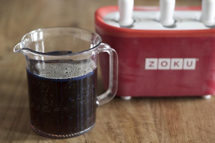 Ice tea ijsjes maken met de Zoku IJsmaker