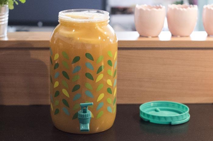 Zelf ice tea maken met perzik en nectarine