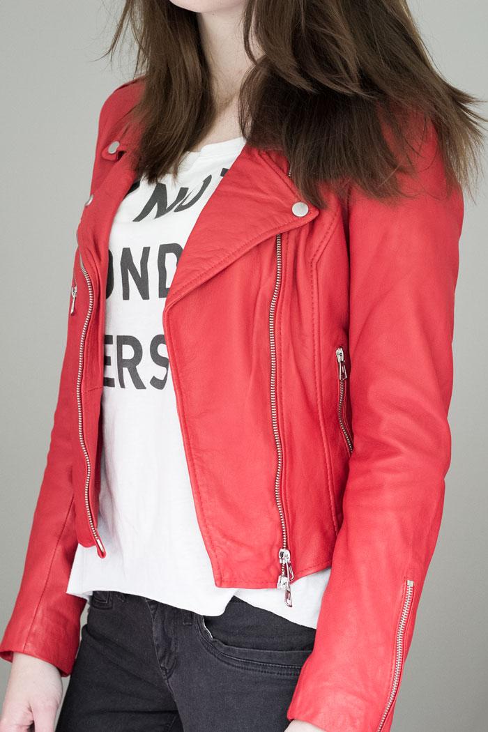 Mijn nieuwe rode leren jas van zara