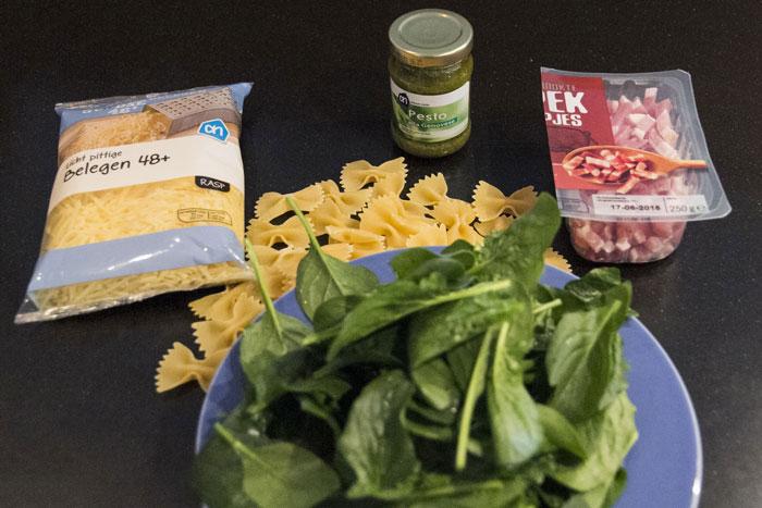Recept; Pasta pesto met spinazie en spekjes