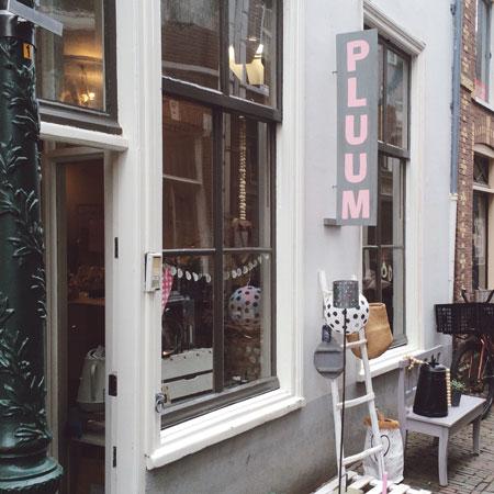Winkel Pluum in Leiden