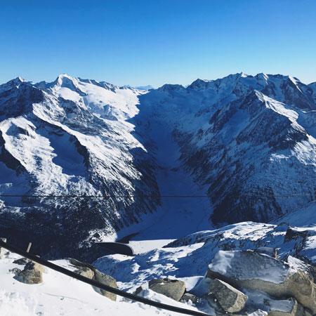Schlegeisspeicher stuwdam vanaf de Hintertuxer Gletscher