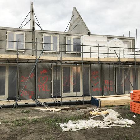 Nieuwbouwhuis; we hebben een dak!